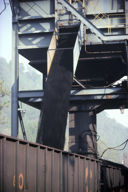 Wyoming prepares to sue states for coal access