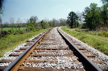 Teen hit by train in Marietta area
