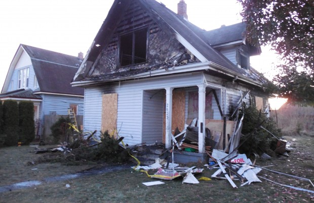 PM Bellingham 12/4/13 – House fire kills local teen