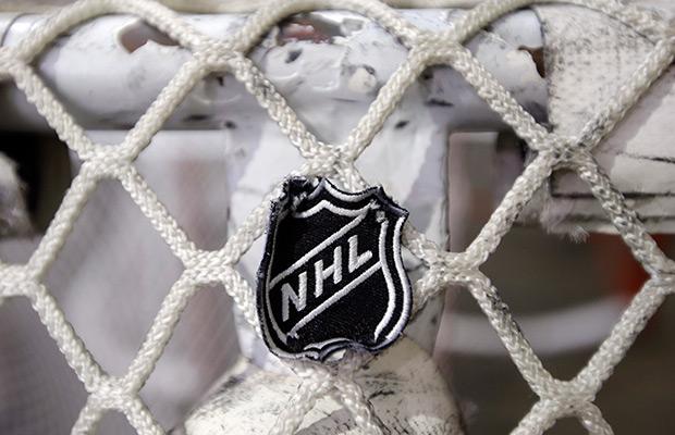 Penguins and Blackhawks earn wins