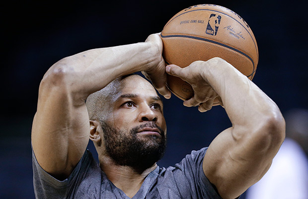 Knicks make it official, hire Derek Fisher as head coach