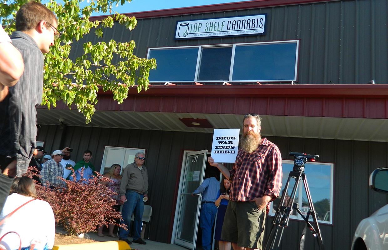 Lynden, Ferndale plan to extend pot moratoriums