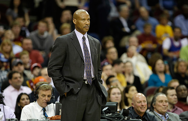 Sources: Lakers offer coaching job to Scott