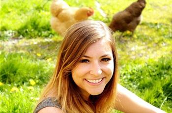 """""""Cutest vegan alive"""" lives in Bellingham"""