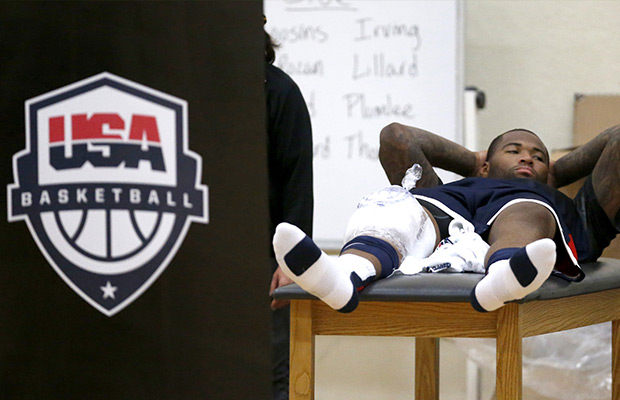 Cousins injures right knee in Team USA practice