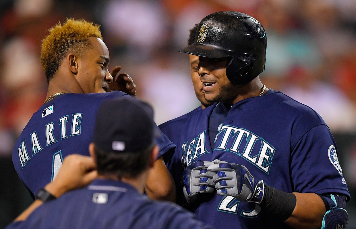 Pennington's triple lifts Angels over Mariners to end skid