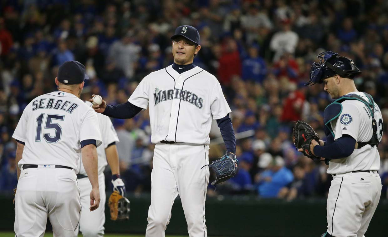 Cano's homers Mariners top Astros 12-4, boost playoff hopes
