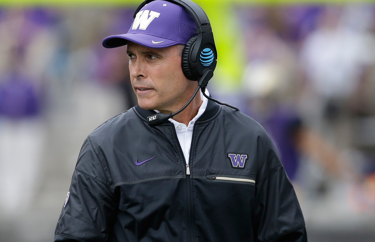 Browning throws 5 TDs passes, No. 18 Washington beats Idaho
