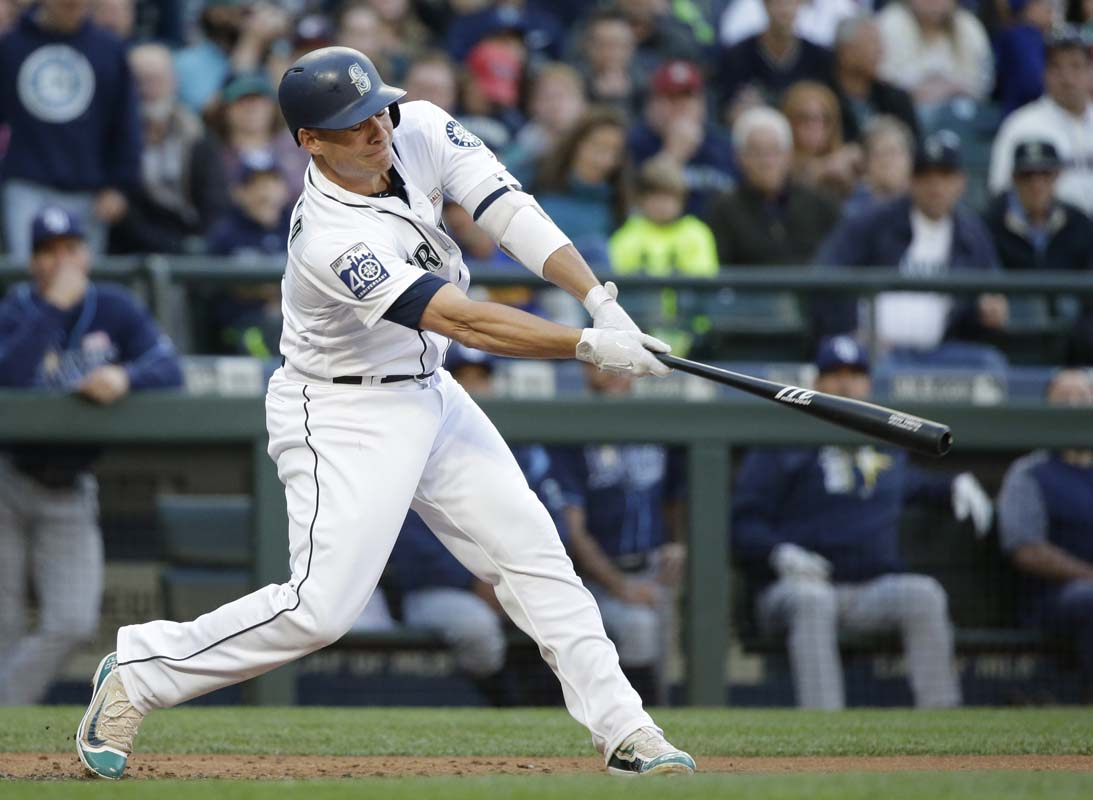 Mariners top Twins on walk-off homer