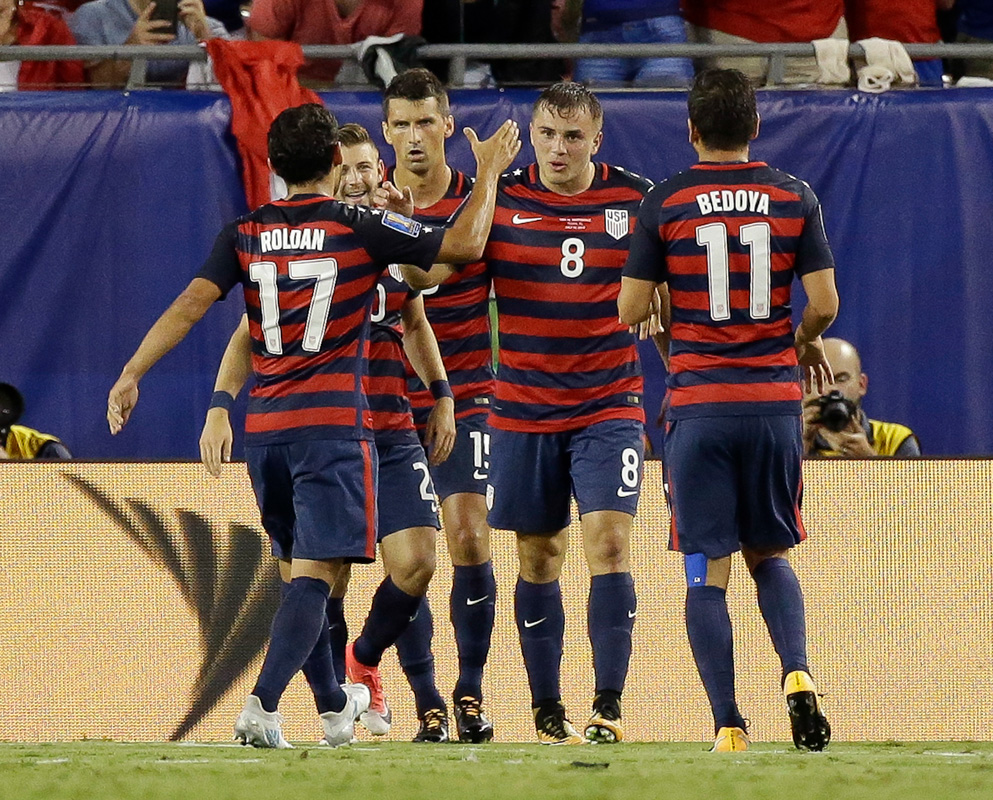 U.S.  does just enough to top group in win over Nicaragua