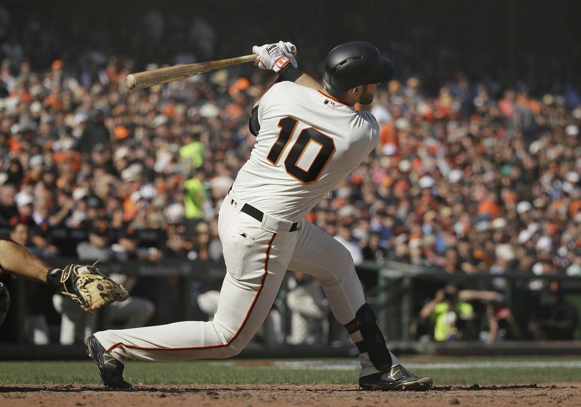Sandoval hits three-run homer as Giants rout King Felix, Mariners